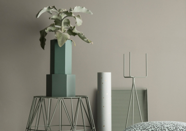 Support Plant Stand Large light grey - FERM LIVING