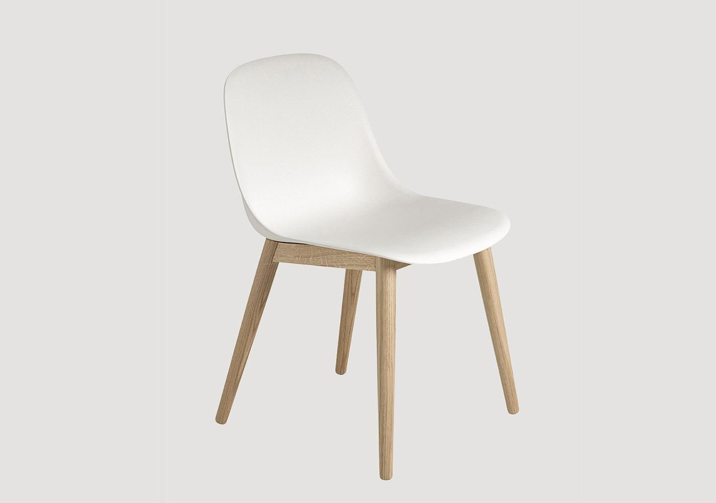 Chaise Fiber - Piètement bois - MUUTO