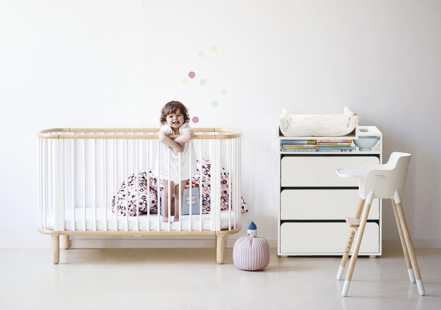 Lit bébé ovale Blanc/hêtre -  FLEXA