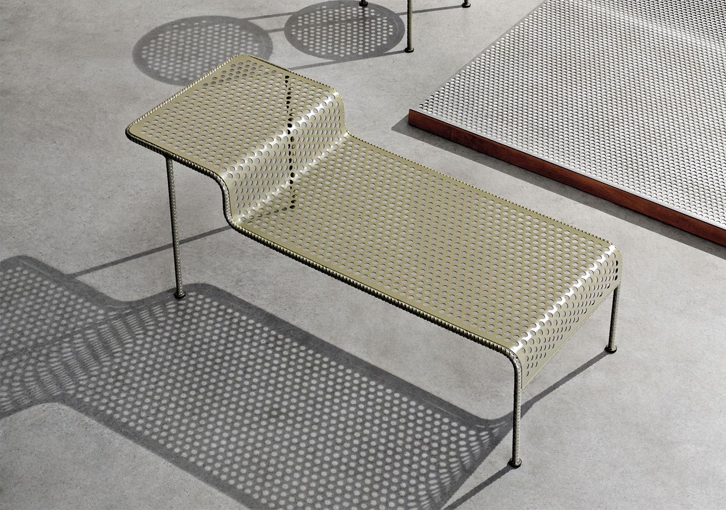 Table basse DIESEL acier perforé