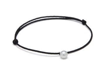 "Bracelet ""Freshwater Pearl"" cordon noir et perle grise - LOUISE KRAGH"