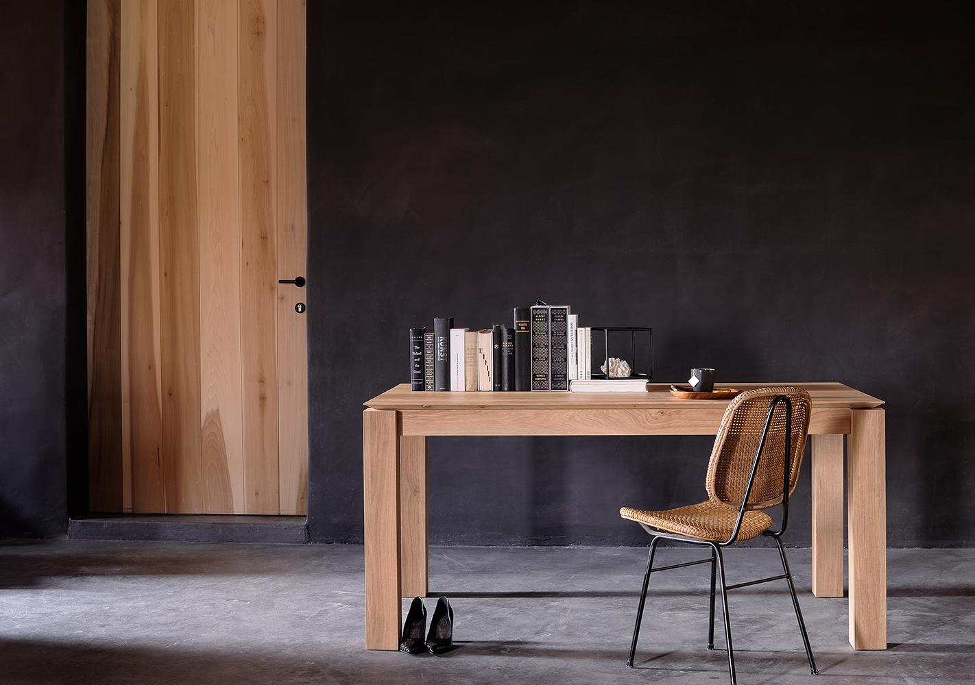 Table Slice extensible en chene pieds 8x8cm - ETHNICRAFT