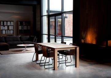 Table Slice extensible en chêne pieds 10x10cm - ETHNICRAFT