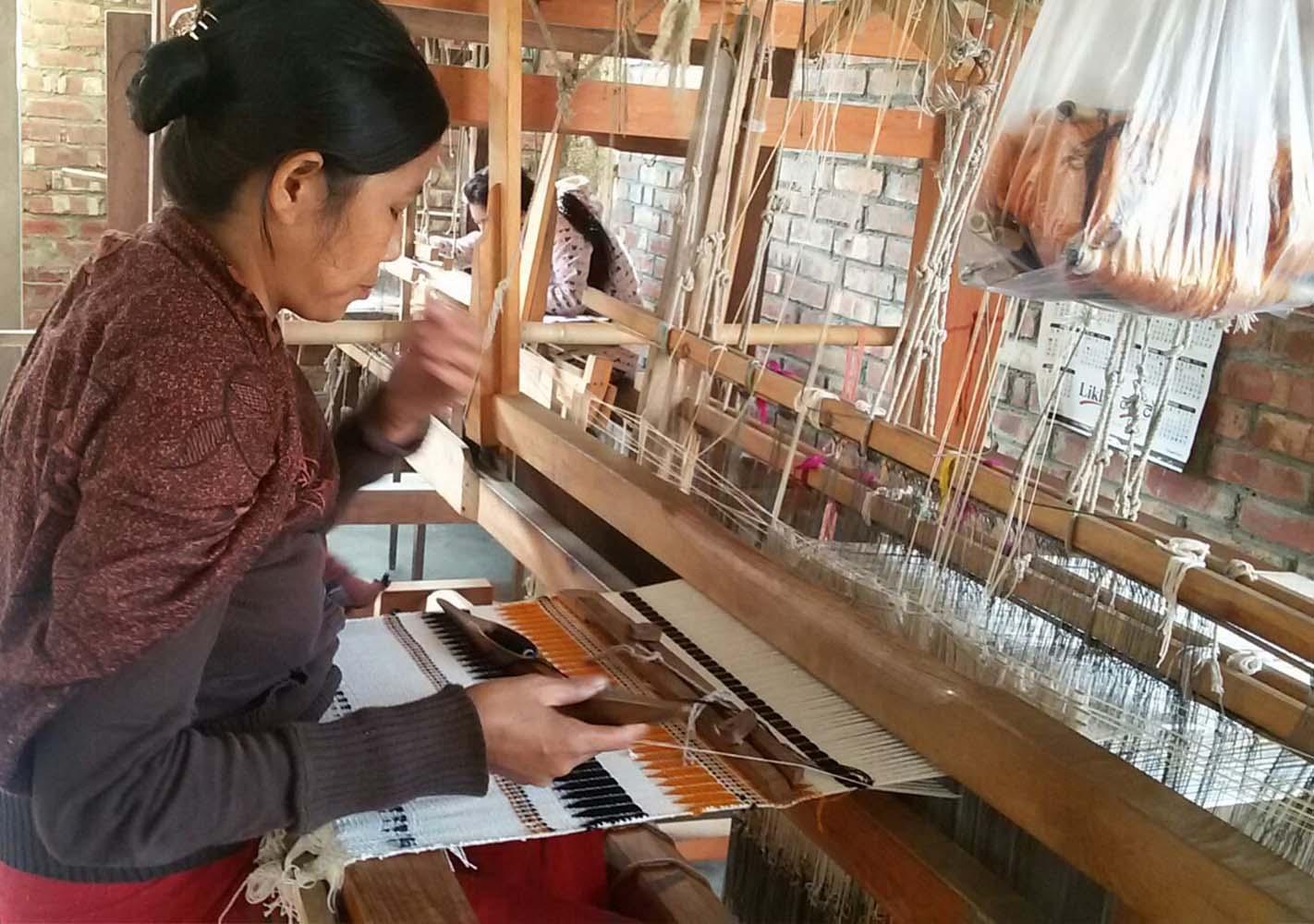 Coussin Manipuri Temple - vert citron - MILLE ET CLAIRE