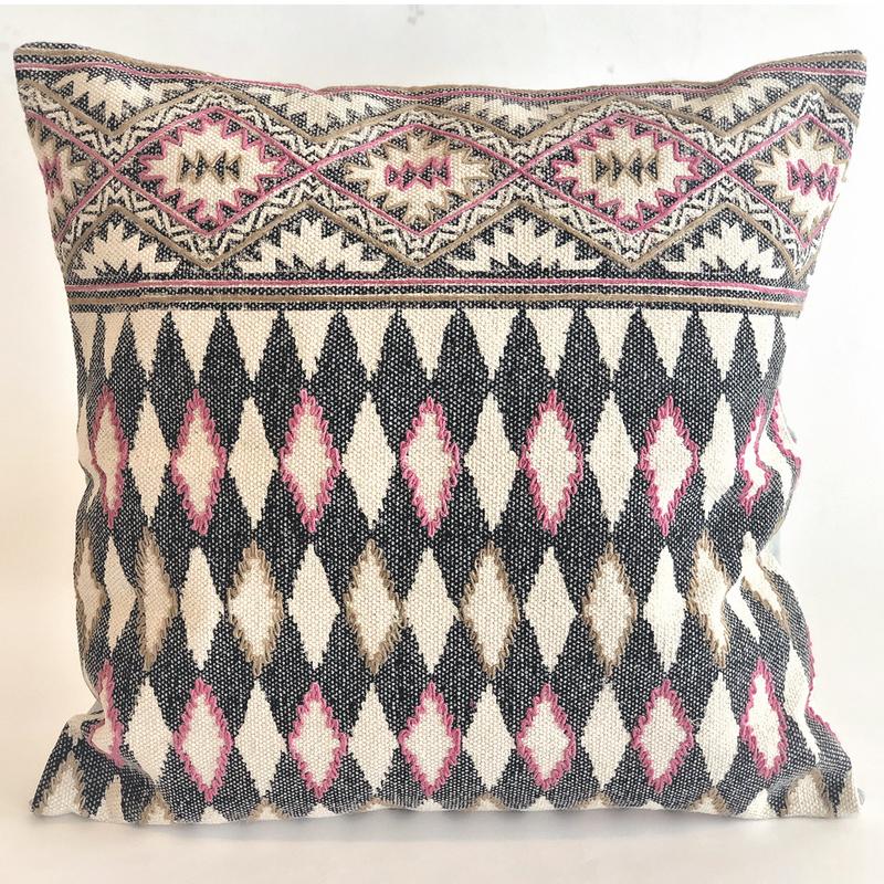 Pillow Harlequin Cyclamen - 60 x 60 cm - IO SCANDINAVIA