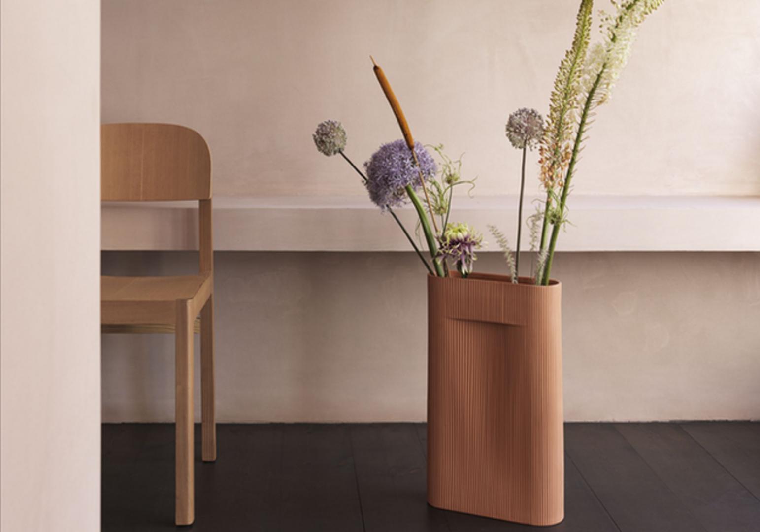 Vase Ridge design - MUUTO