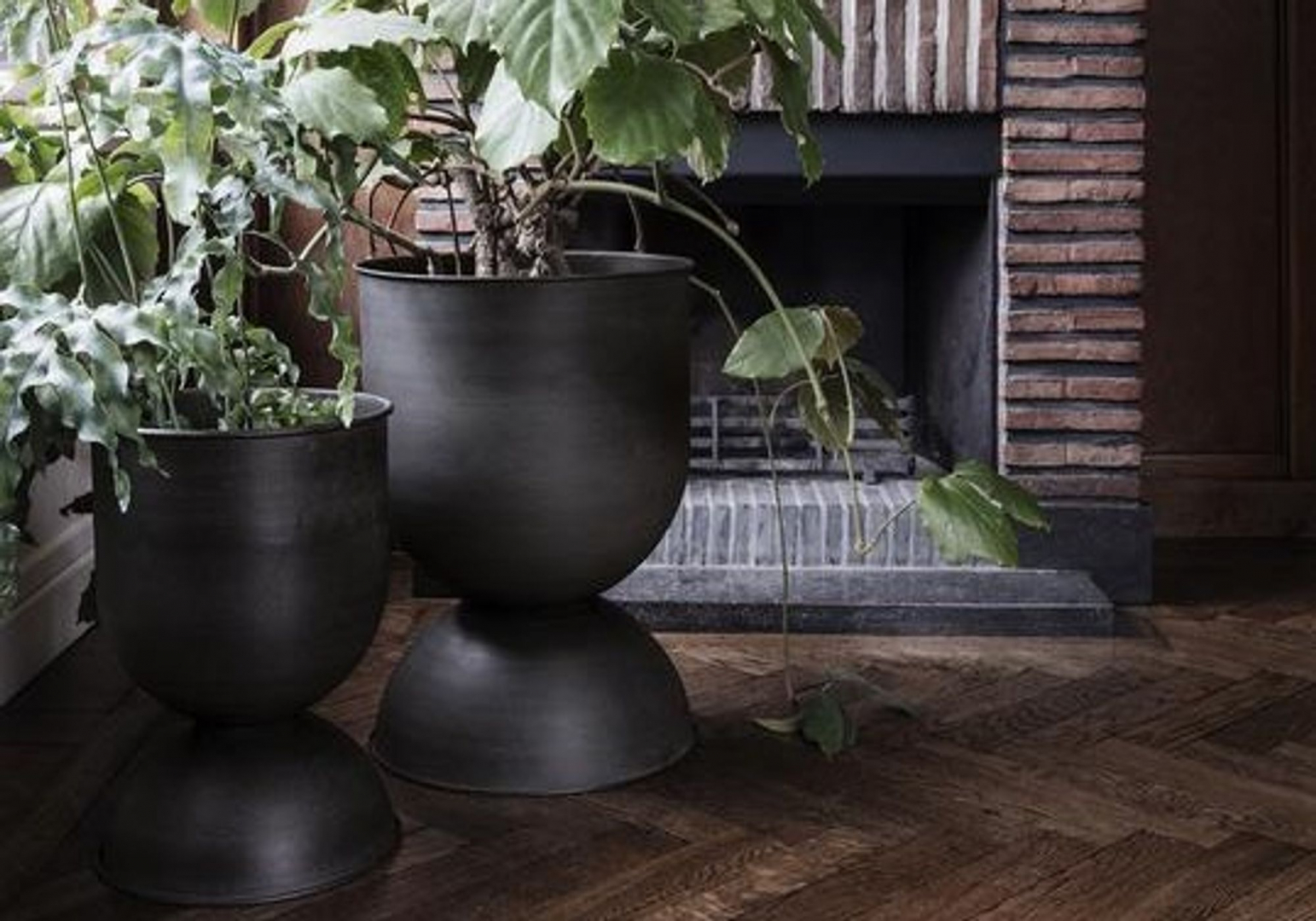 POT HOURGLASS - FERM LIVING