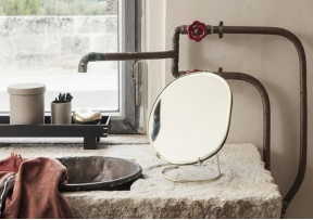 Pond Miroir de table - FERM LIVING