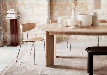 Table extensible Bevel en chêne - FERM LIVING