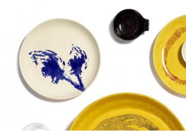 Assiette S blanche artichaut bleu Feast Ottolenghi - SERAX