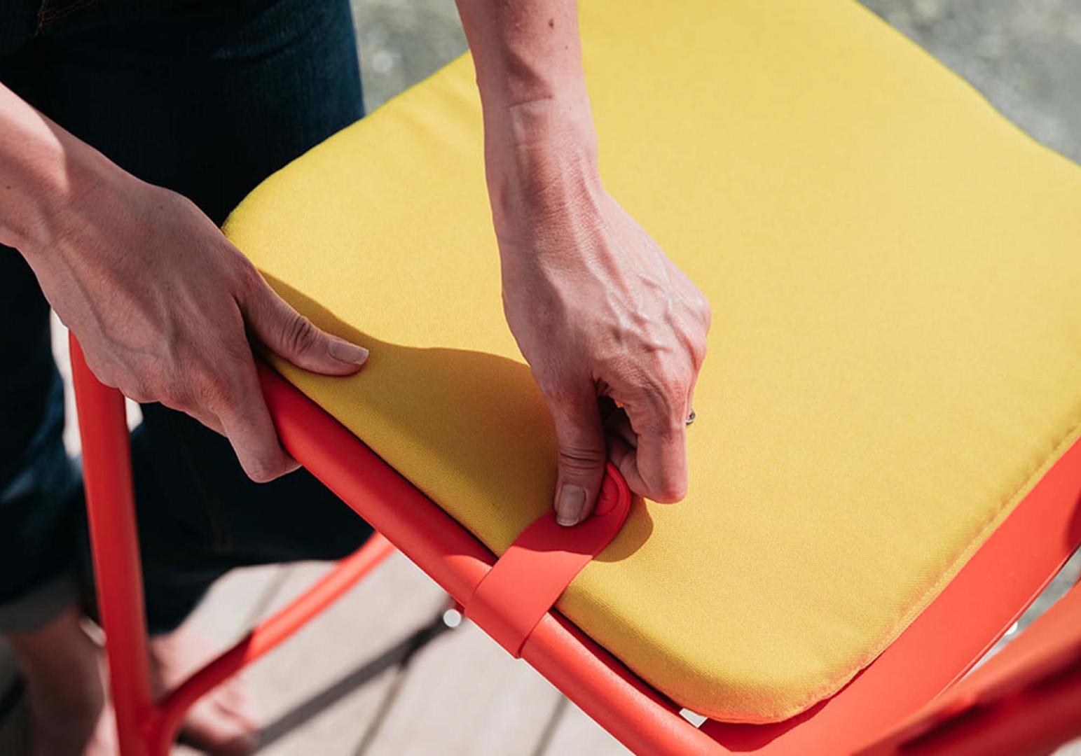 Galette Bistro color mix 30x38 jaune toucan - FERMOB