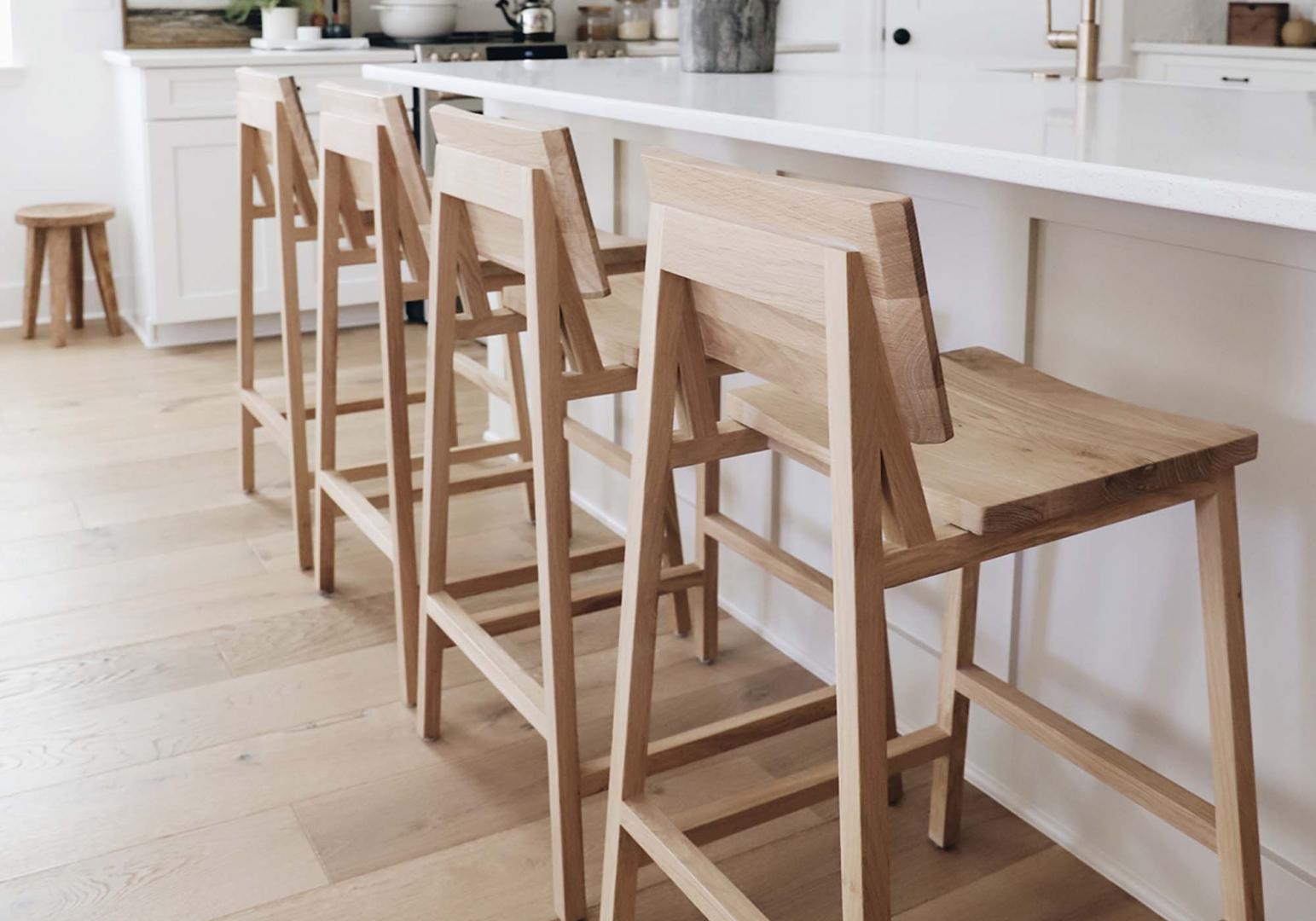 Chaise haute N3 en chêne design - ETHNICRAFT