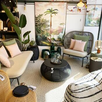 Un salon d'extérieur comme à l'intérieur ? C'est le Kodo @vincent_sheppard_furniture qu'il vous faut ! À découvrir d'urgence dans vos @gooddesignstore  —————————————————— Nice  nice@good-designstore.com 0973199469 —————————————————— Marseille ⠀ marseille@good-designstore.com⠀ 01 82 83 11 64 —————————————————— ✌️ #cotedazurcard #lifestyle #gf_daily #tourismepaca #jaimelafrance #loves_france_  #bns_france #dontsnapshoot #ilovenice #guideinstanice #decoration #gooddesignstore #nicelifestylemag #niceshopping06 #marseilleshoppingcenter #commercedepriximite #protegetoncommerce #nice #marseille  #photooftheday #deco