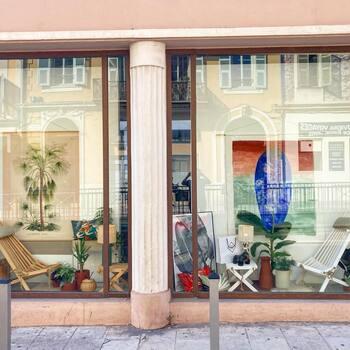 Retrouvez nous ce week-end au 22 bis bd Stalingrad à Nice à l'occasion de la première vente @maisonbouture avec @sudnlyofficiel ! Et en plus il y a un concours avec @gooddesignstore sur la bio @sudnlyofficiel ! C'est trop biiiien !😉 suivez @gooddesignstore et @sudnlyofficiel—————————————————— Nice nice@good-designstore.com 0973199469 —————————————————— Marseille ⠀ marseille@good-designstore.com⠀ 01 82 83 11 64 —————————————————— ✌️ #cotedazurcard #lifestyle #gf_daily #tourismepaca #jaimelafrance #loves_france_ #bns_france #dontsnapshoot #ilovenice #guideinstanice #decoration #gooddesignstore #nicelifestylemag #niceshopping06 #marseilleshoppingcenter