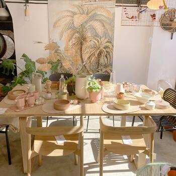 Pas envie de quitter l'été alors on reste dans des couleurs fraîches 🧡🤍🌴—————————————————— Nice nice@good-designstore.com 0973199469 —————————————————— Marseille ⠀ marseille@good-designstore.com⠀ 01 82 83 11 64 —————————————————— ✌️ #cotedazurcard #lifestyle #gf_daily #tourismepaca #jaimelafrance #loves_france_ #bns_france #dontsnapshoot #ilovenice #guideinstanice #decoration #gooddesignstore #nicelifestylemag #niceshopping06 #marseilleshoppingcenter