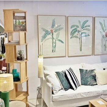 La bibliothèque Stairs @ethnicraft ! Un bijou 🤍—————————————————— Nice nice@good-designstore.com 0973199469 —————————————————— Marseille ⠀ marseille@good-designstore.com⠀ 01 82 83 11 64 —————————————————— ✌️ #cotedazurcard #lifestyle #gf_daily #tourismepaca #jaimelafrance #loves_france_ #bns_france #dontsnapshoot #ilovenice #guideinstanice #decoration #gooddesignstore #nicelifestylemag #niceshopping06 #marseilleshoppingcenter
