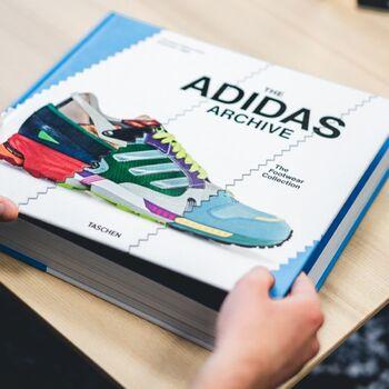 Il est arrivé ! Le @taschen Adidas Archive, à découvrir d'urgence 👟 —————————————————— Nice nice@good-designstore.com 0973199469 —————————————————— Marseille ⠀ marseille@good-designstore.com⠀ 01 82 83 11 64 —————————————————— ✌️ #cotedazurcard #lifestyle #gf_daily #tourismepaca #jaimelafrance #loves_france_ #bns_france #dontsnapshoot #ilovenice #guideinstanice #decoration #gooddesignstore #nicelifestylemag #niceshopping06 #marseilleshoppingcenter